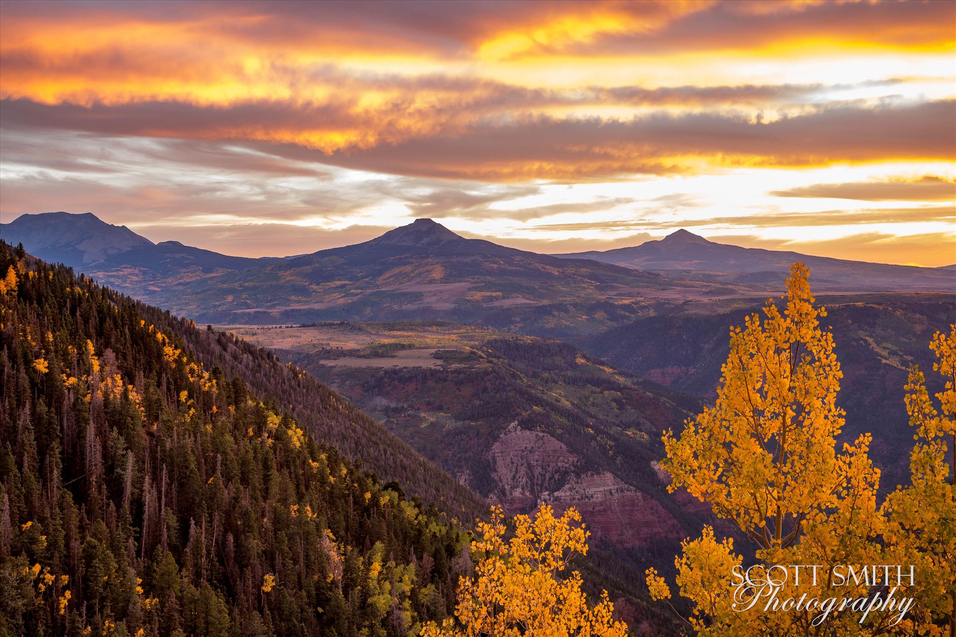 Last Dollar Road Sunset - Sunset on a quiet, secluded spot from Last Dollar Road, outside of Telluride, Colorado in the fall. by D Scott Smith