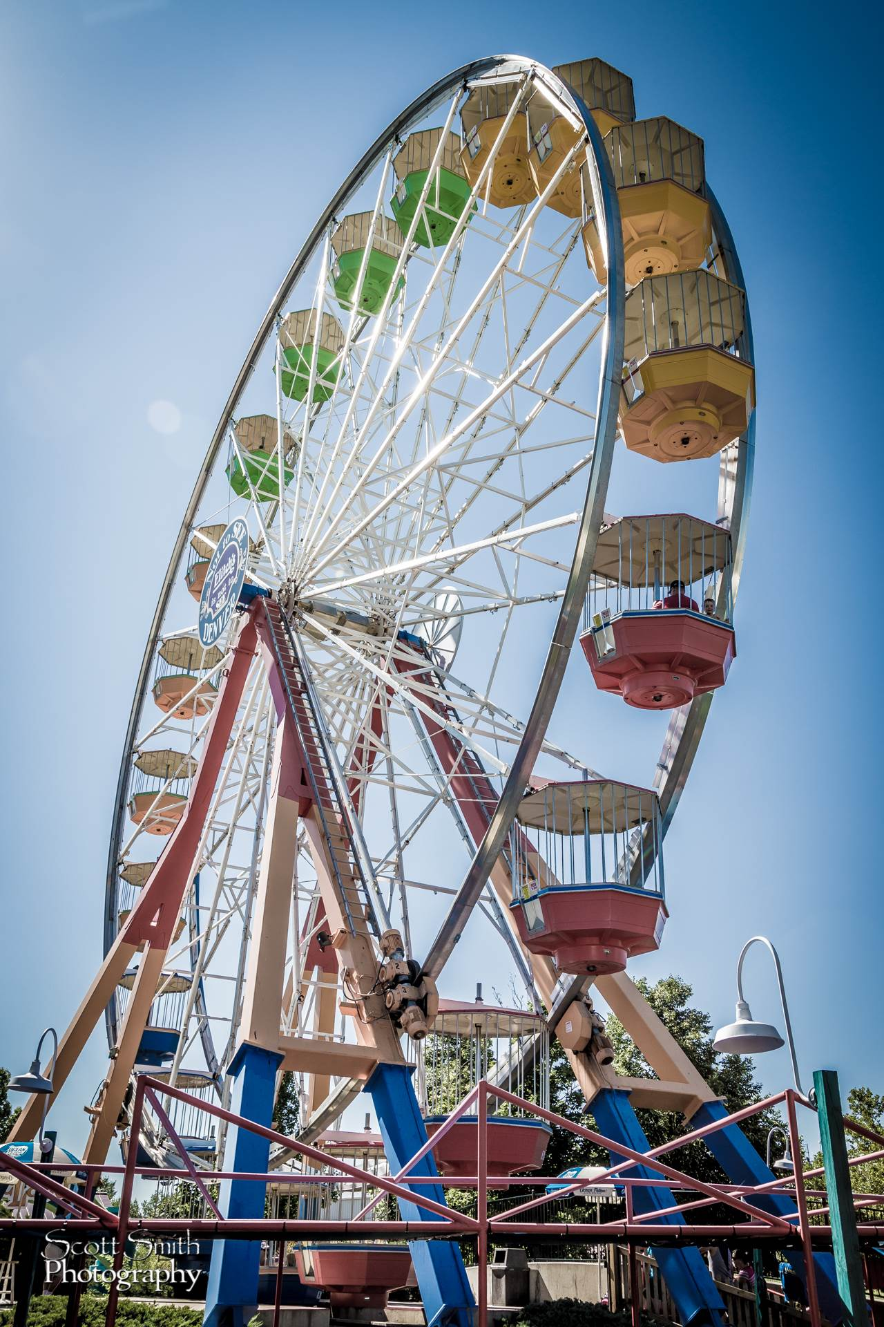 Elitches - Classic Ferris Wheel -  by D Scott Smith